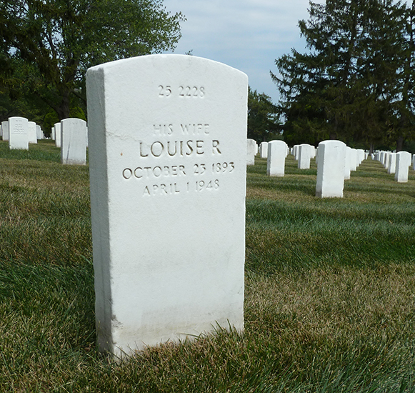 Photograph of Louise Archer's tombstone.